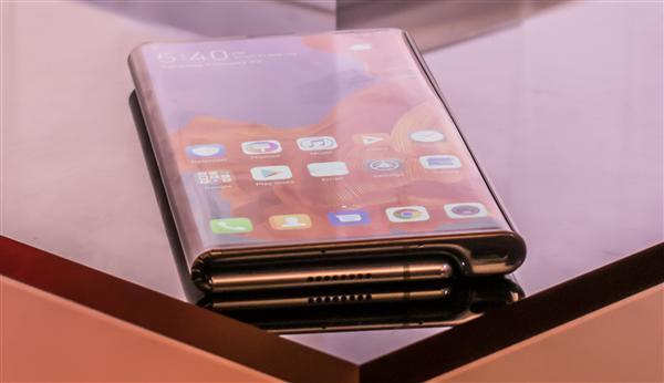 华为5G折叠屏手机充电需要多久 支持无线快充吗?[多图]